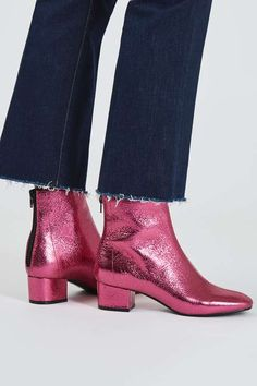 Choose a distinctive style when it comes to the ankle boots with this cool pair. Detailed in a chic all-over pink finish, we love the practical mid-heel and softly pointed toe