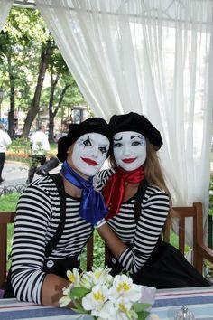 Photo Mime Halloween Costume, Circus Costume, Halloween 2019, Halloween Makeup, Mime Marceau, Clown Face Paint, Mime Makeup, Female Clown, Clown Faces