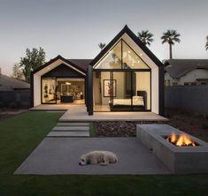 "18.7 mil Me gusta, 89 comentarios - RESTLESS | ARCHITECTURE (@restless.arch) en Instagram: ""Escobar Renovation by Chen + Suchart Studio in #Phoenix #Arizona // Photo by Winguist Photography…"""