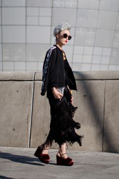 On the street… Seoul fashion week 2016 S/S Asian Street Style, Korean Street, Street Style Looks, Asian Style, Seoul Fashion, Harajuku Fashion, Asian Fashion, Street Fashion, Kids Fashion Boy