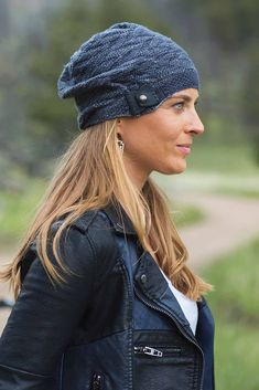 Karin Wilmoth's textured, casual Torque Hat from Interweave Knits, Spring 2018, is available in slouch and beanie styles suitable for any road nomad. The band is worked in half linen stitch and is adjustable when paired with a leather snap closure.