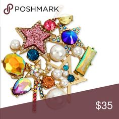 """Betsey Johnson cluster pin Betsey Johnson cluster pin Material: Gold Tone mixed metal with imitation pearl Approximate Length: 2-3/4"""" Brand new with tags -Authentic  Retails for $58+ TAX —————————————————— ❌NO TRADING  🥇POSH AMBASSADOR  📦FAST SHIPPER 🔝 RATED SELLER  🔝10% SELLER🏆 🛍 BOUTIQUE CERTIFIED  💌TAKE A LOOK AT MY FEEDBACK Betsey Johnson Jewelry Brooches"""