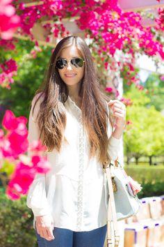 Otro de los básicos que no puede faltar en nuestro armario. Una prenda elegante que también queda genial con outfit casuales. Hoy, look con blusa blanca.#kissmylook