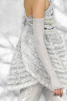 Chanel Spring 2008 - The sleeves... Could something be knitted in silky yarn? Fingering maybe?