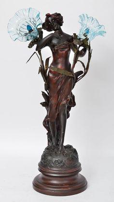 """KOSSOWSKI - Luminária art nouveau para duas lâmpadas em bronze, representando """"ninfa"""" alusiv"""
