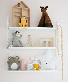 Rekje van de #hema in de kinderkamer.  Shelves in the babyroom.
