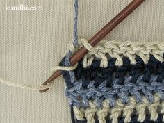 Technique :: Carrying yarn for single row stripes - so much easier than breaking off/weaving ends! #crochet