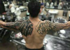 Wings tattoo back Schulterpanzer Tattoo, Tattoo Arm Mann, Wing Tattoo Men, Angel Wings Back Tattoo, Eagle Wing Tattoos, Arm Sleeve Tattoos, Tattoo Sleeve Designs, Tattoo Designs Men, Body Art Tattoos