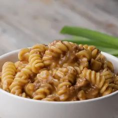 1 Lb Ground Beef, 4 Easy Dinners | Recipes Meat Recipes, Pasta Recipes, Cooking Recipes, Microwave Recipes, Beef Dishes, Pasta Dishes, Cheeseburger Pasta, One Pot Pasta, Fusilli