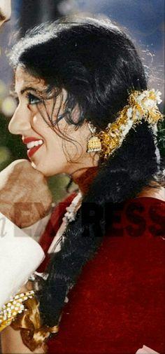Madhubala Bollywood Heroine, Beautiful Bollywood Actress, Most Beautiful Indian Actress, Beautiful Actresses, Bollywood Photos, Indian Bollywood, Bollywood Stars, Indian Celebrities, Bollywood Celebrities
