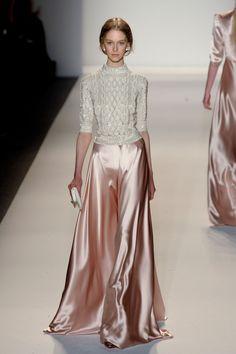 Soirée chic en robe longue by Jenny Packham Fashion Week, New York Fashion, Look Fashion, Runway Fashion, High Fashion, Fashion Show, Womens Fashion, Fall Fashion, Fashion Models
