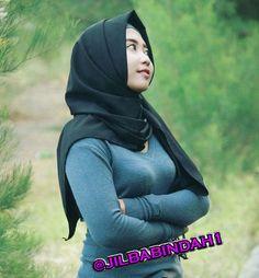 Beautiful Muslim Women, Beautiful Hijab, Beautiful Asian Girls, Muslim Fashion, Hijab Fashion, Hijab Prom Dress, Moslem, Myanmar Women, Muslim Beauty