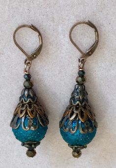 These are pretty! Blue Drop Earrings, Leather Earrings, Bead Earrings, Leather Jewelry, Jewelry Crafts, Jewelry Art, Beaded Jewelry, Jewelry Design, Handcrafted Jewelry