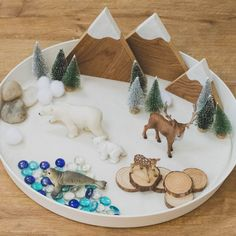 WINTER SMALL WORLD . I used to love setting up small worlds in my early years classroom. (Even if they did get destroyed in two minutes! Montessori Activities, Toddler Activities, Preschool Activities, Toddler Games, Indoor Activities, Family Activities, Toddler Bed, Tuff Tray, Small World Play
