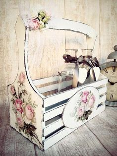 3 Top Cool Tips: Shabby Chic Office Storage shabby chic fiesta first communion.S… 3 Top Cool Tips: Shabby Chic Office Storage shabby chic fiesta first communion. Shabby Chic Sofa, Shabby Chic Baby, Bureau Shabby Chic, Jardin Style Shabby Chic, Shabby Chic Rustique, Mesas Shabby Chic, Tables Shabby Chic, Shabby Chic Outfits, Shabby Chic Zimmer