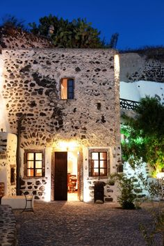 Villa Megalochori in Santorini, Greece - I want that treatment on my house