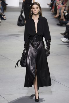 Michael Kors Collection Fall 2017 Ready-to-Wear Collection Photos - Vogue (Fall Top 2017)
