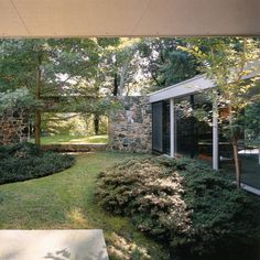 "In 1959 Marcel Breuer created a spectacularly long, low house of Maryland fieldstone in a wooded sanctuary outside of Baltimore. Known as Hooper House II, it features the ""binuclear"" concept of a central courtyard that separates public areas (living, dining, kitchen) from private spaces (six bedrooms and a family room). Hooper II is stringent Bauhaus; a masterful demarcation of taut planes and open plans using local, natural materials.    Dwell: Hooper House II  Hooper House II  Classic Courtyard House  Casa Hooper  Arch In Form  Going Beyond the Bauhaus"
