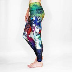 Här hittar du superfina yogabyxor i handmålade print från RE3. Köp  ekologiska yogakläder online i 4cd244d9b5dc2