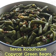 TEXAS ROADHOUSE COPYCAT GREEN BEANS Servings: Ingredients 2 ounce) cans Del Monte green beans, drained 2 cups chicken broth cup butter 1 tbsp sugar tsp white pepper tsp black pepper 1 tsp chopped or minced … Continue reading → Side Dish Recipes, Vegetable Recipes, Dinner Recipes, Best Green Beans Ever, Can Green Beans, Canned Green Bean Recipes, Cooking Recipes, Healthy Recipes, Weekly Recipes