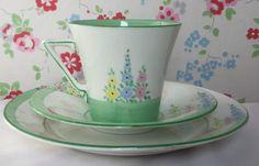 Art Deco Trio - CWS Windsor handprinted teacup, saucer and plate Cinnamon Coffee, Christmas Arrangements, Vintage Cups, China Tea Cups, Side Plates, Coffee Set, Tea Cup Saucer, China Porcelain, Fine China