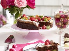 Godiva chocolate wedding ideas | http://ruffledblog.com/chocolate-wedding-favor-and-dessert-table-ideas-with-godiva