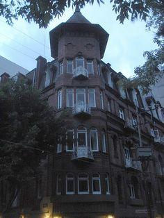 Edificio Río de Janeiro  (La Casa de las Brujas) - Plaza Rio de Janeiro, Colonia Roma,  Mexico City.