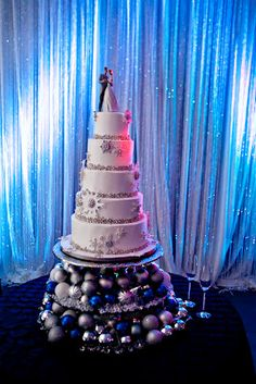 winter wedding cake - lladro cake topper