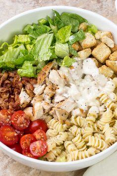 The best chicken caesar salad recipe with a creamy caesar salad dressing! The best chicken caesar salad recipe with a creamy caesar salad dressing! Chicken Caesar Pasta Salad, Healthy Chicken Pasta, Chicken Salad Recipes, Crab Salad, Chicken Ceaser Salad Recipe, Green Salad With Chicken, Caesar Recipe, Grilled Chicken Salad, Avocado Salad