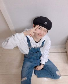 yang jeongin / i.n ) 양정인 ) stray kids Felix Stray Kids, Lee Know Stray Kids, Lee Min Ho, Namjoon, Taehyung, Fanfiction, Mode Ulzzang, Kids Icon, Wattpad