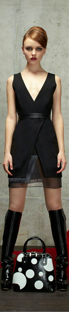 Alice + Olivia Pre-Fall 2014 Fashion Show Collection Fashion Details, Love Fashion, High Fashion, Fashion Show, Fashion Design, Alice Olivia, Lil Black Dress, Fashion Week, Cute Dresses
