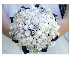 Vintage button bouquets | Gallery - Beaubuttons