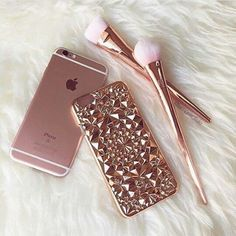 Beautiful and unique our Rose Gold Tropix Case will be sure to turn heads! Design made out of flexible TPU fitting over your iPhone like a glove. This is NOT a flat case Flexible and bendable while providing protection for your iPhone