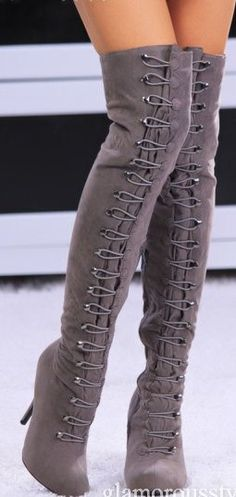 wish i didnt have short legs so i could totally rock these... guess i'll need customs... lol