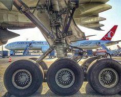 Boeing 777 gear                                                                                                                                                                                 Mais