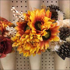 Pegboard-Mount Flower Vase Endcap – Fixtures Close Up Flower Vases, Flowers, Quiver, Craft Storage, Visual Merchandising, Retail, Wreaths, Display, Button