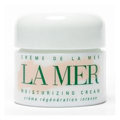 Creme de la Mer Moisturizing Cream (I just might have to splurge and get the oz jar. My skin is so dry & I need an intense moisturizer like this one! Beauty Care, Beauty Hacks, Beauty Tips, Beauty Products, Diy Products, La Mer Cream, La Mer Moisturizing Cream, Beauty Book, Nail Care