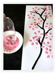 Peinture avec une bouteille de soda