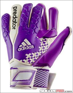 Adidas predators goalie gloves! ⚽️⚽️