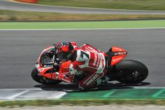 Testing concludes positively for Checa and the Ducati SBK development team at Mugello - http://superbike-news.co.uk/wordpress/Motorcycle-News/testing-concludes-positively-for-checa-and-the-ducati-sbk-development-team-at-mugello/