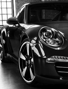 The Porsche 911 is a truly a race car you can drive on the street. It's distinctive Porsche styling is backed up by incredible race car performance. Porsche 911, Porsche Wheels, Black Porsche, Ferdinand Porsche, Volkswagen, Automobile, Cabriolet, Amazing Cars, Awesome