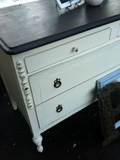 Painted dresser, white