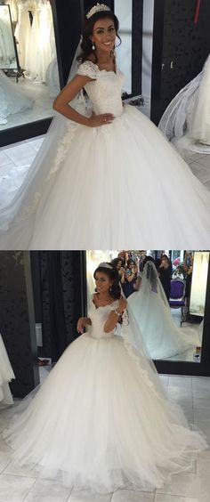 Vintage Lace V-neck Tulle Ball Gowns Wedding Dresses 2018 by MeetBeauty, $253.54 USD