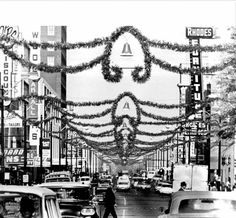 Main Street at Christmas in Memphis 1961 (Photo by Memphis Press-Scimitar/University of Memphis Special Collections) The Best Of Christmas, Christmas History, Christmas Events, Christmas Party Games, Vintage Christmas, Christmas Scenery, Christmas Traditions, State Of Tennessee, Tennessee Vacation