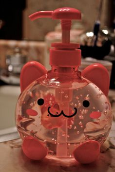 Cute kitty soap dispenser. ~ dispensador de jabón ~ diseño gato