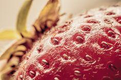 gesunde ernaehrung essen foodfotografie gesundheit lebensmittel frucht johny schorle photocase kreative stockfotos #food #foodphotography #photography #stock  #paleo #vegan #vegetarian #macrophotography #healthy #fruit #strawberry