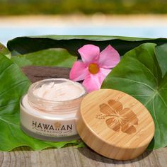 Reverse years of damage while moisturizing your skin and reducing fine lines. You'll look years younger with your skins natural healthy glow restored. Natural Beauty Tips, Organic Beauty, Natural Skin Care, Coffee Mask, Beauty Care, Beauty Hacks, Beauty Skin, Diy Beauty