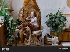 wicker furniture and green plants – RechercheGoogle Wood Interiors, Wicker Furniture, Green Plants, Google, Painting, Home Decor, Art, Wicker, Rattan Furniture