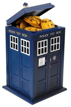 """*Doctor Who TARDIS Talking Cookie Jar *Features light and sound effects *11"""" X 6"""" X 6"""" *Plastic construction w/pull-out liner for cleaning *Officially licensed"""