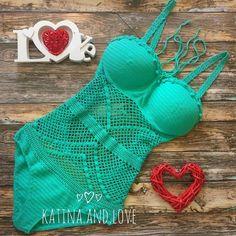 crochelinhasagulhas: Moda praia em crochê by Katina and Love
